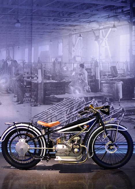 01_mcbw_bmw_designmuseum.jpg
