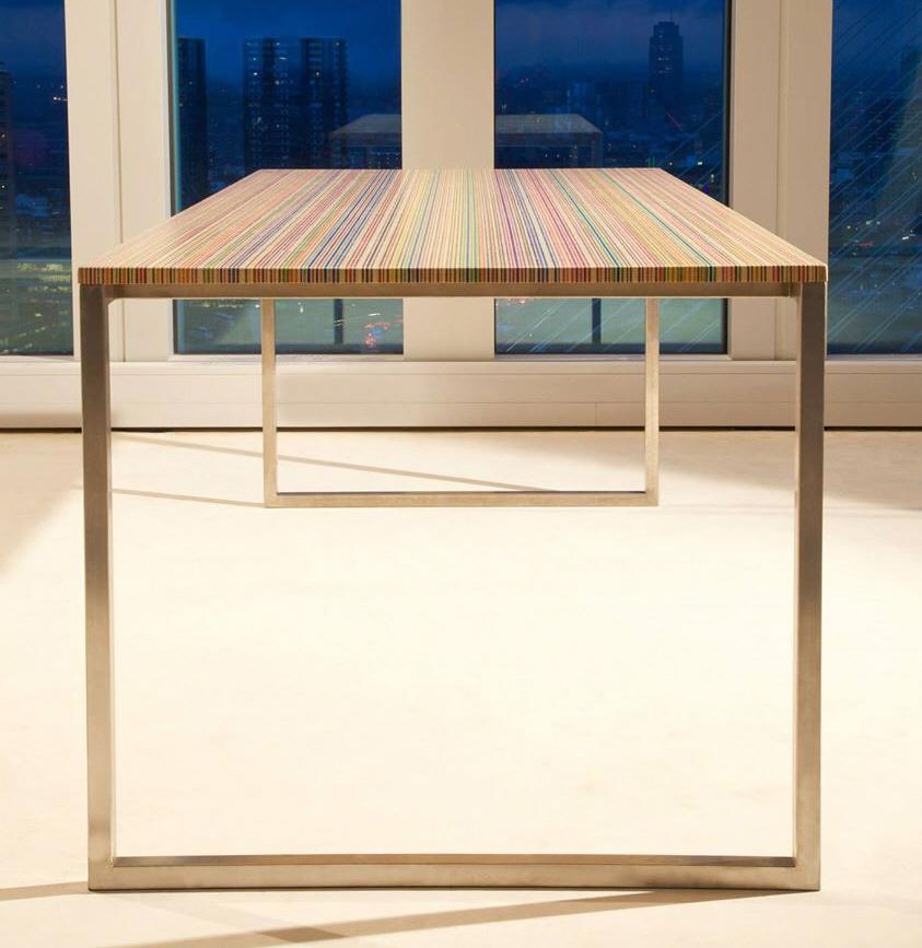Sleek Desktops Made From Old Skateboard Decks | Man Made DIY | Crafts for  Men | Keywords: desktop, skateboard, desk, recycled