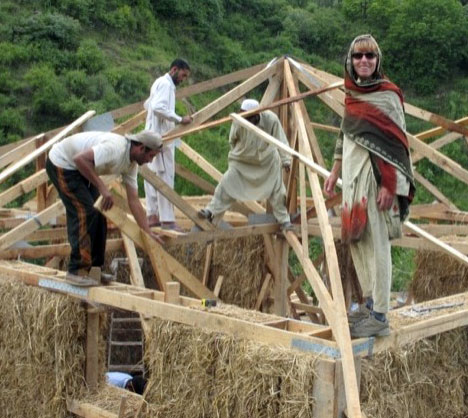 PAKSBAB's straw-based earthquake-resistant houses