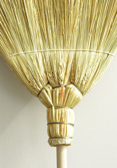 autarchy-broom-detail1.jpg