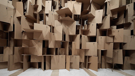 zimoun_zweifel_200_motors_2000_cardboard_elements_03.jpg