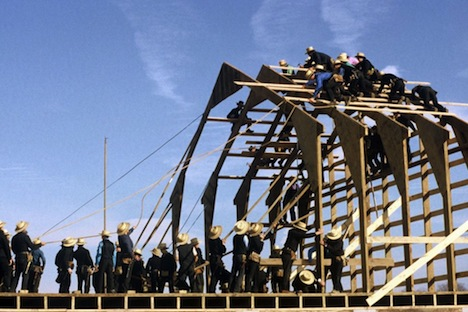 amish-barn-raising.jpg