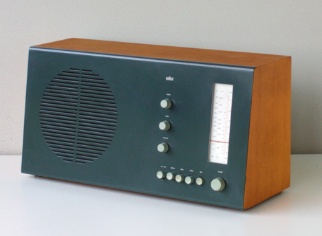 1961-Braun-RT20_Tischsuper_Tube_Radio.jpg
