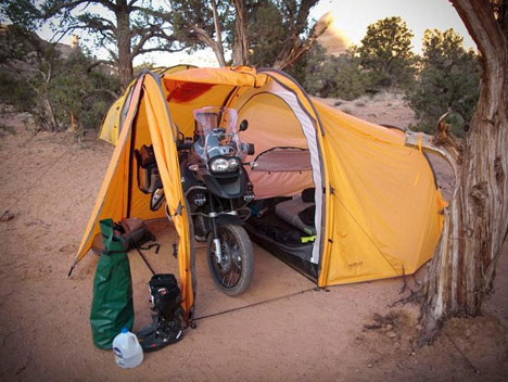A tent with garage for a Motorcycle & A tent with garage for a Motorcycle - www.DRRiders.com