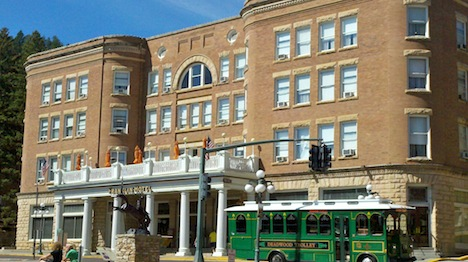 gilbert-DeadwoodTrolleyAtTheFranklinHotel.jpg