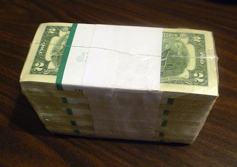 United_States_two-dollar_bills_in_shrink_wrap.jpeg