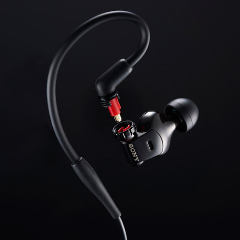 JunKatsumata-Sony-earbud-3.jpg