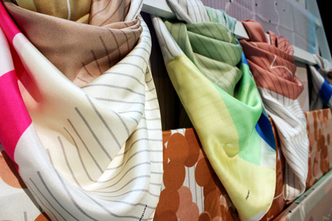 NYIGF-Tuttobene-WSCScarves-2.jpg
