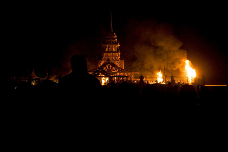 46_Burning_Temple_AnoukAhlborn.jpg
