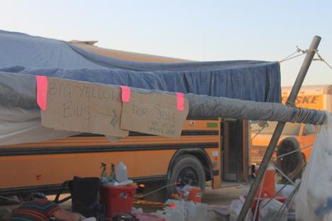 47_Selling_bus.jpg