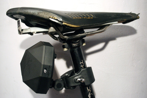 OutsideTechnology-TurtleClaw-seatpost.jpg