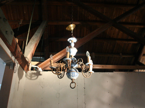 DBDD-objects-chandelier.jpg