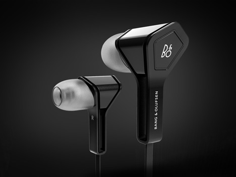 MaxenceDer-earbuds-1.jpg
