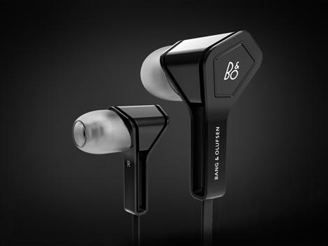 MaxenceDer-earbuds-1.jpg