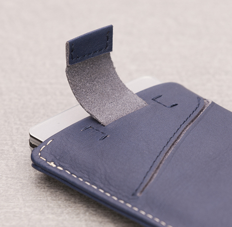 bellroy-card-sleeve-wallet-03.jpg