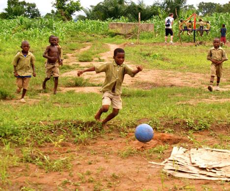 one-world-futbol-03.jpg