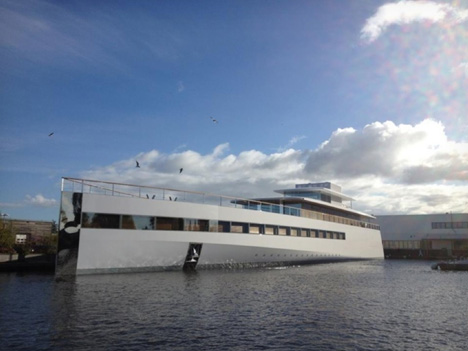 starck-steve-jobs-yacht-01.jpg