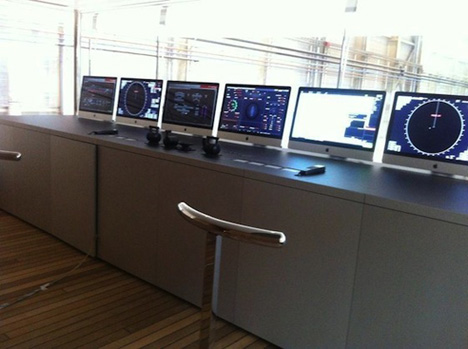 starck-steve-jobs-yacht-03.jpg