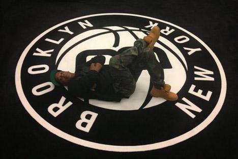 Jay-Z-NetsLogo.jpg