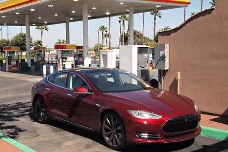 Tesla-BradleyBerman-forNYT.jpg