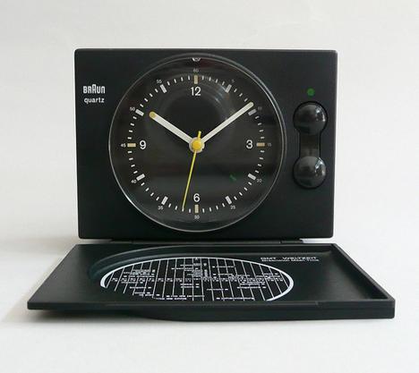 braun-clock-07AB2020TB.jpg