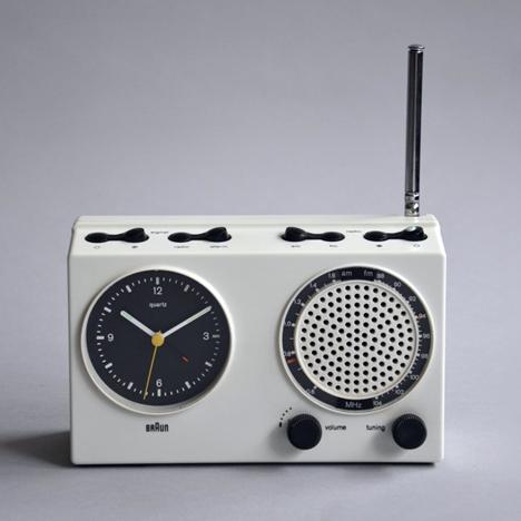 braun-clock-11ABR21.jpg