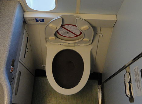 airplane-toilet.jpg