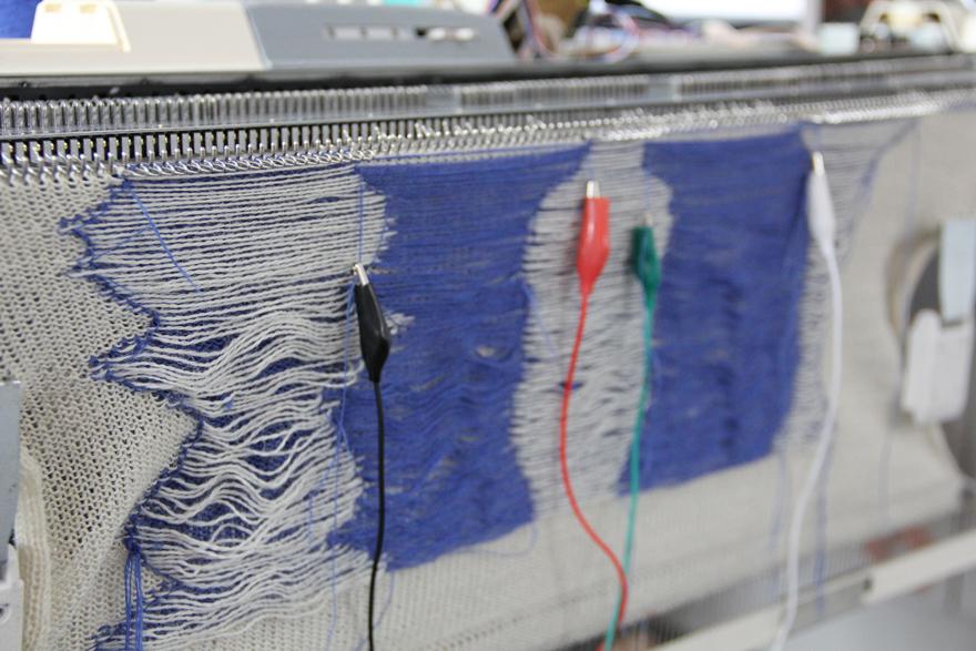 Knittingmachine.jpg
