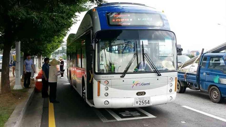 Gumi-olev-bus-02.jpg