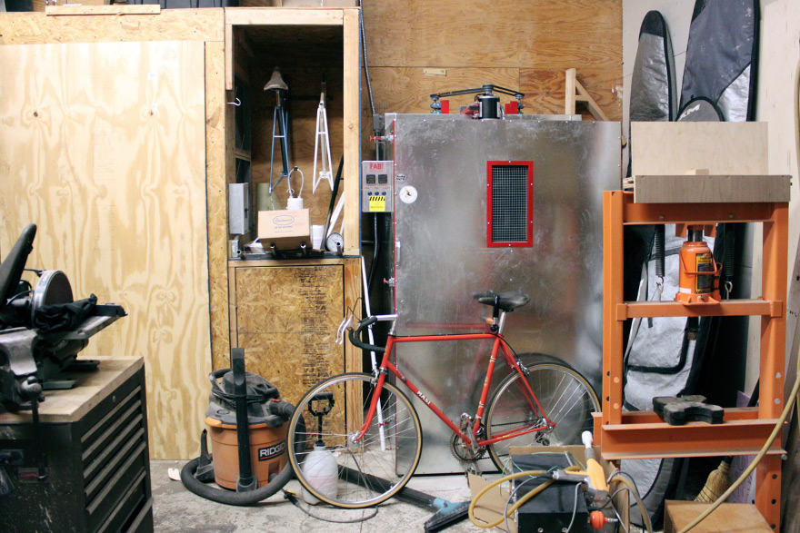 ThomasCallahan-HorseCycles-paintBooth.jpg