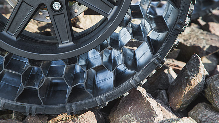 tires finally hit the commercial sector will polaris roll over the competition - Pneumatic Tires