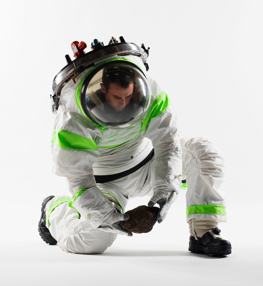 Z-1_Spacesuit.jpg