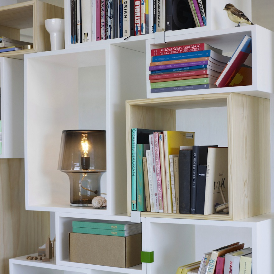 Muuto-stacked-shelving-system-detail.jpg