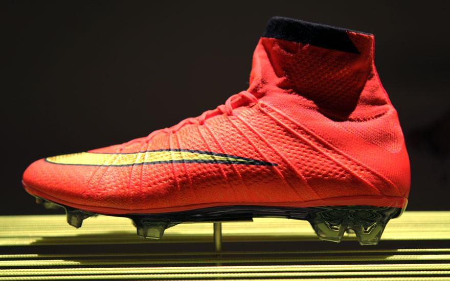 NikeFootball14_bootside.jpg