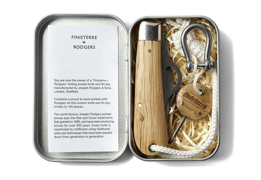 Finisterre-SurfingKnife-2.jpg