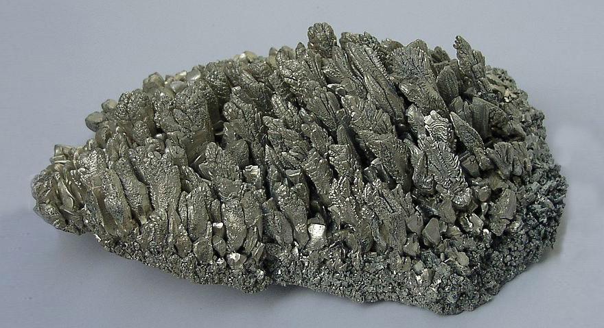 Metalprocessing-magnesium_crystals.jpg