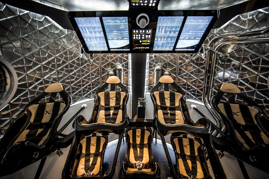 SpaceX-Dragonv2-Interior.jpg
