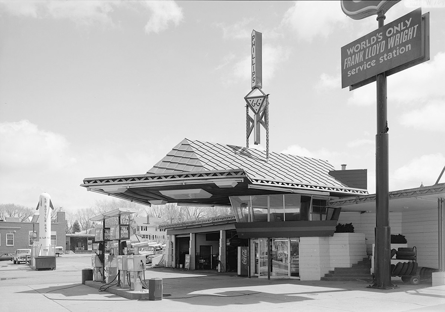 0flw-gas-station-006.jpg