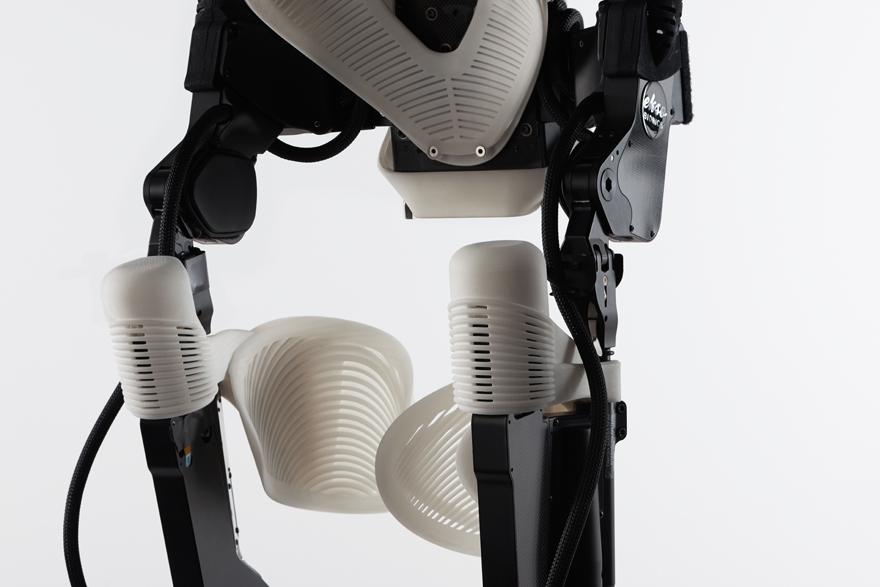 DAEsko-KneeDetail.jpg