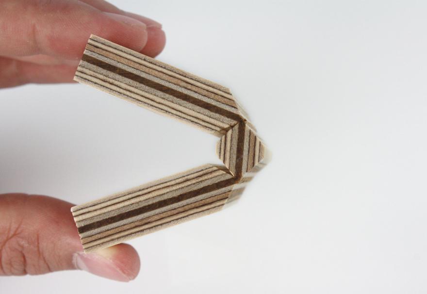 Plastic Veneer Plywood ~ Leather core plywood