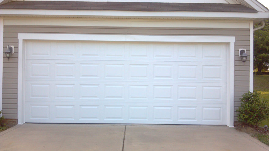 Unusual door designs from brazil part 2 garage doors for Garage door patterns