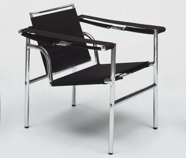 Charlotte perriand s utilitarian beauty blogs bloglikes for Chaise longue b306
