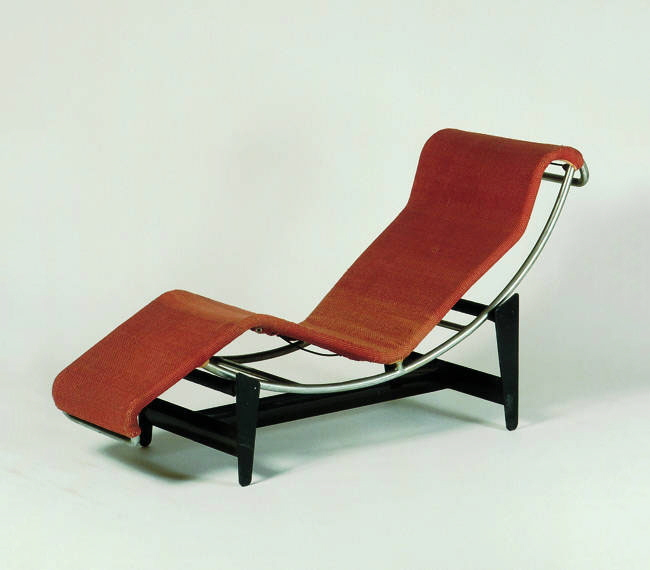 Charlotte perriand s utilitarian beauty studio przedmiotu for Chaise longue b306