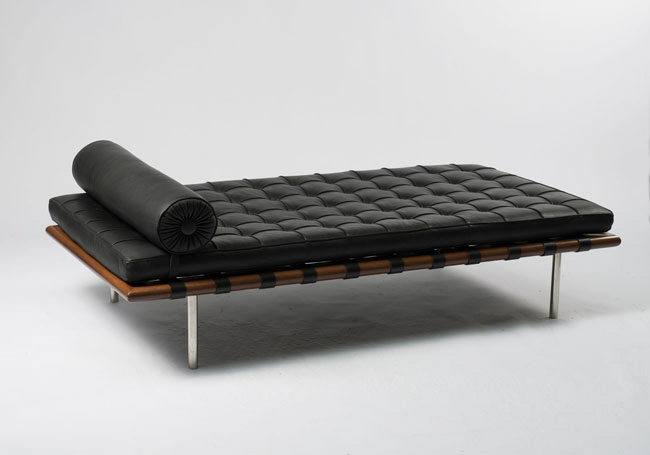 lilly reich furniture. In 1930, Philip Johnson Commissioned Mies And Reich To Redesign His Apartment New York; They Installed A Version Of The Daybed, This Time With Bolster Lilly Furniture E