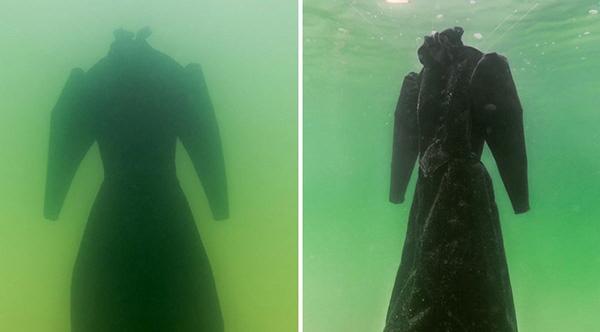 Black dress dead sea vs red