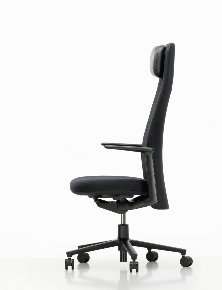 Pacific chair by barber osgerby core77 design awards for Chair design awards