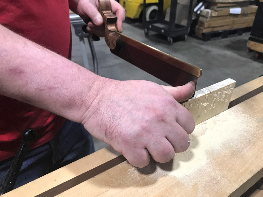 how to cut log dovetails
