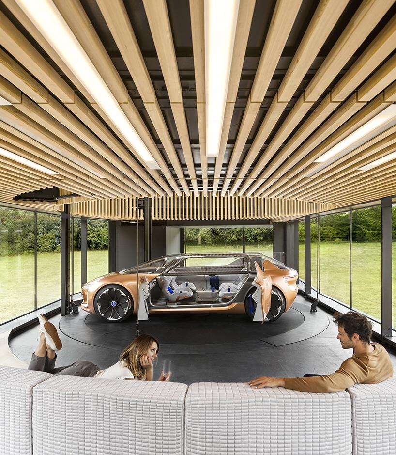 Designing the interior of a transforming autonomous for Car house