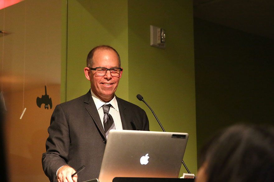 "Michael Bierut Gives His First-Ever ""Slide-Free"" Lecture at MFA Products of Design"