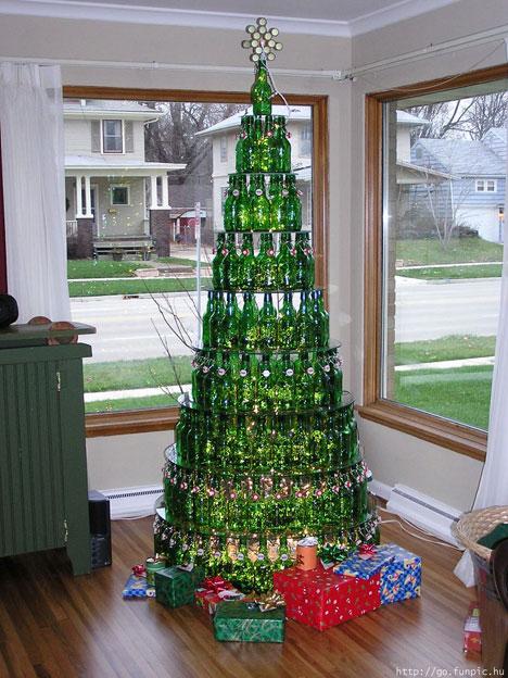 Upside Down Christmas Tree Via Neatorama.